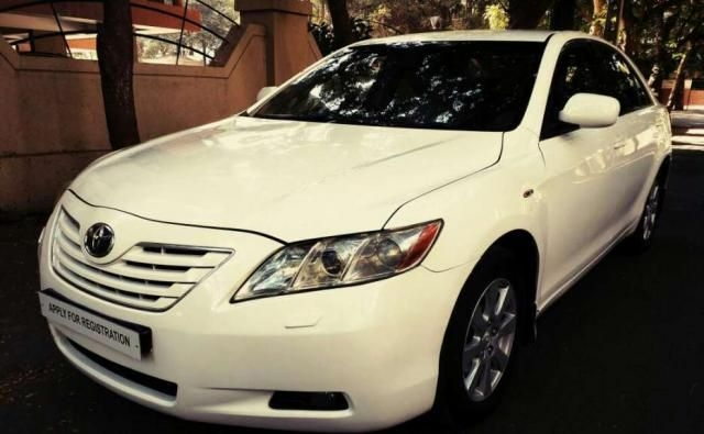 Toyota Camry 2.5 L AT 2009
