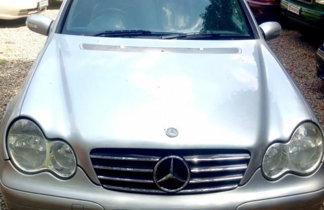 Mercedes-Benz C-Class 220 BlueEfficiency 2005
