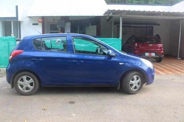 Hyundai i20 Asta 1.2 (O) With Sunroof 2009