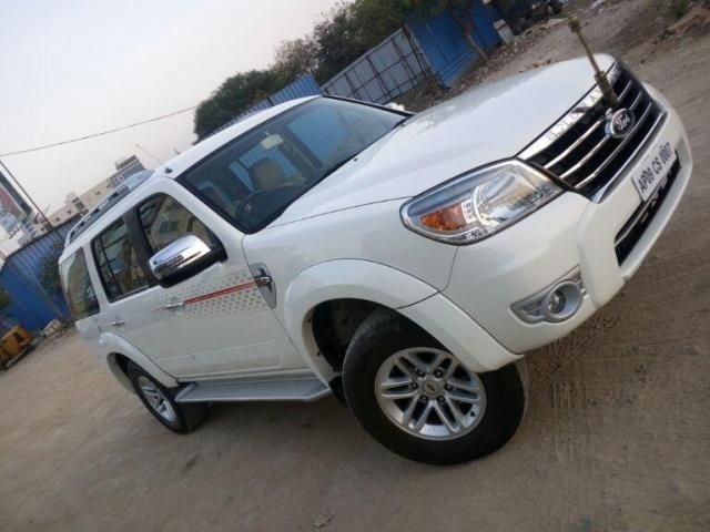 Ford Endeavour 2.5L 4x4 MT 2015
