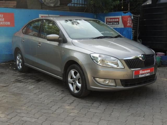 Skoda Rapid Elegance AT 2012