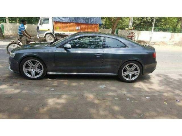 Audi RS5 COUPE 2011