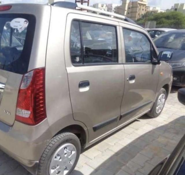 Maruti Suzuki Wagon R LXi Minor 2013