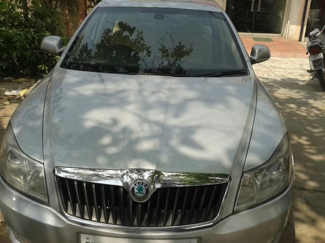 Skoda Laura AMBIENTE 2.0 TDI CR AT 2010