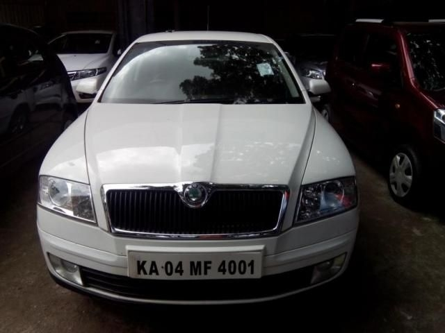 Skoda Laura Ambition 2.0 TDI CR MT 2008