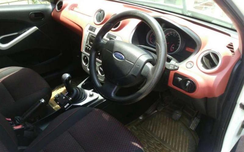 Ford Figo 1.5 TDCI Titanium 2010