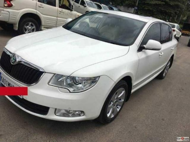 Skoda Superb ELEGANCE 2.0 TDI CR AT 2012