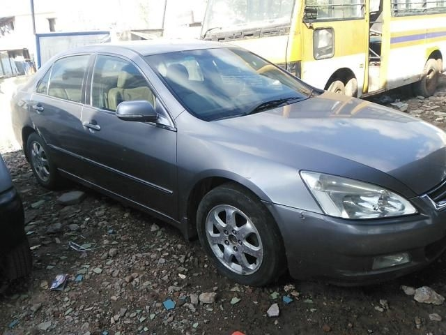 Honda Accord 1.8 MT 2003