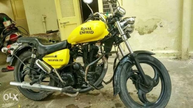 18 Used Royal Enfield Thunderbird Motorcycle/bike 2005 model for