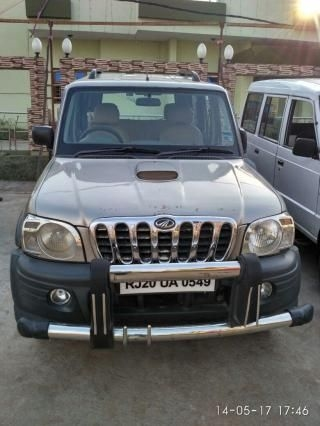 Mahindra Scorpio DX 2.6 TURBO 7 STR 2006
