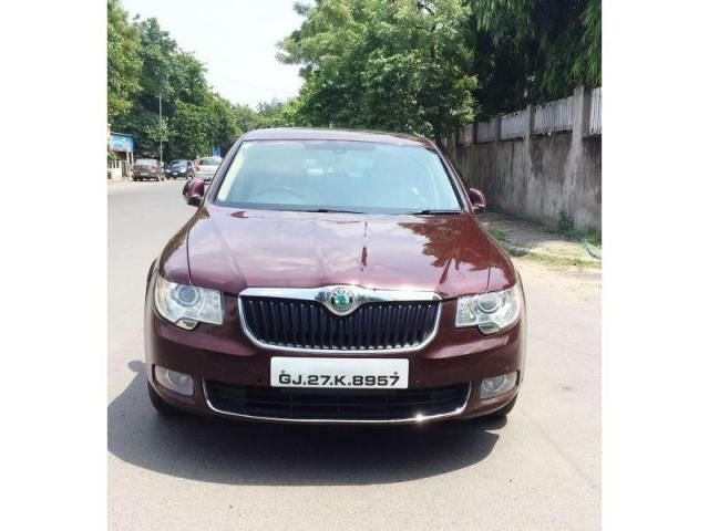 Skoda Superb Elegance 2.0 TDI CR AT 2013