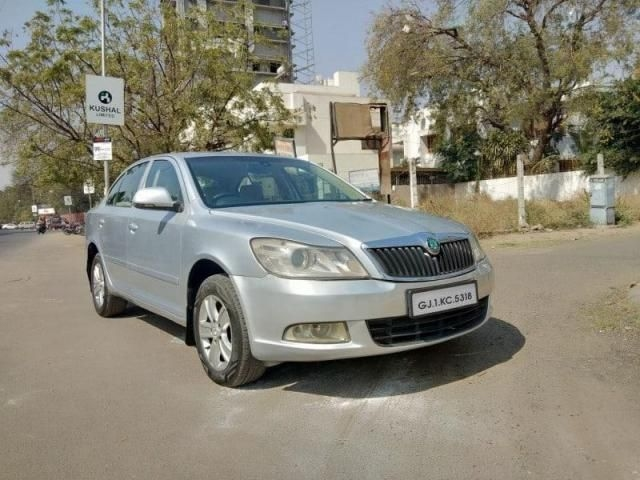 Skoda Laura ELEGANCE 1.9 TDI AT 2010