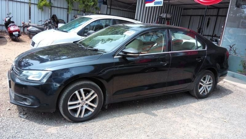 Volkswagen Jetta 2.0L TDI Highline AT 2013