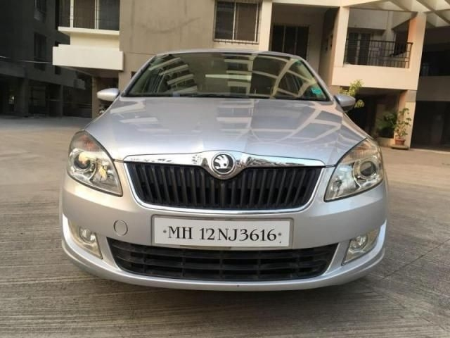 Skoda Rapid 1.6 MPI Style Plus Black Package AT 2016