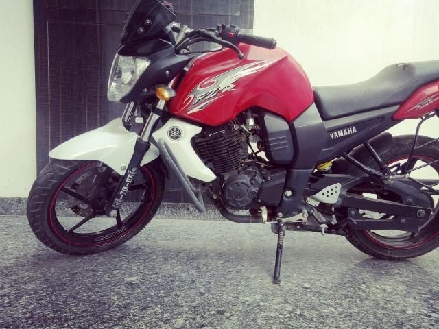 27 Used White Color Yamaha Fzs Motorcycle/bike for Sale | Droom