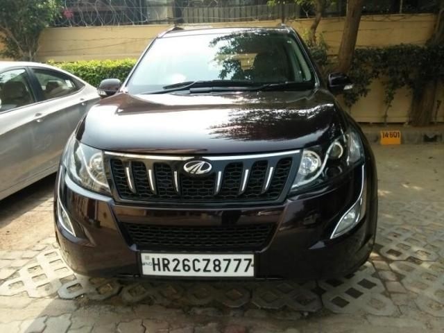 Mahindra XUV500 W10 AWD AT 2016