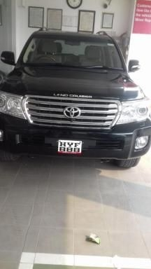 Toyota Land Cruiser LC200 VX 2014