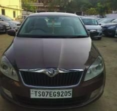 Skoda Rapid 1.5 TDI CR Elegance Plus Black Package At 2015