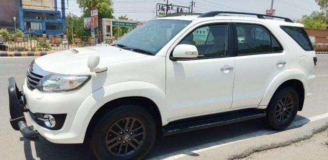 Toyota Fortuner 2.5 4x2 MT TRD Sportivo 2016