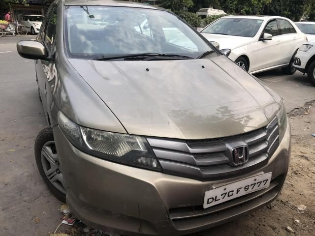 Used Honda City 2004 Car Price, Second Hand Car Valuation | OBV