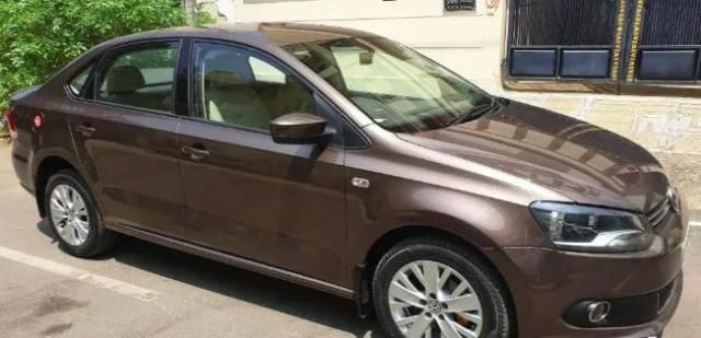 Volkswagen Vento Highline Petrol AT 2015